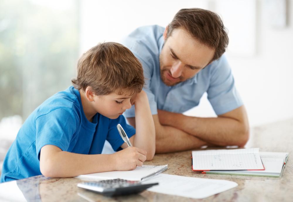 ¿Cómo enseñar a un niño a estudiar? ¡Sigue nuestros pasos!