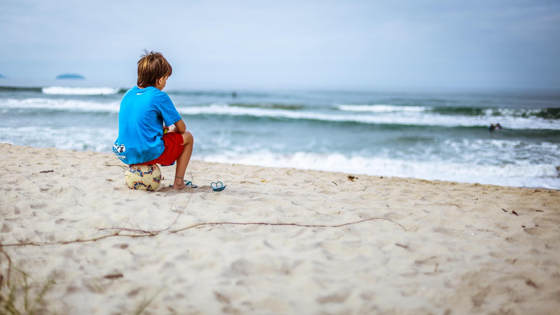 Descubre cuál es el mejor calzado para niños en verano